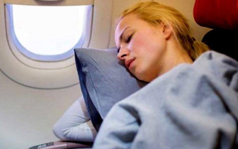 От чего спасла девушку внимательная стюардесса?