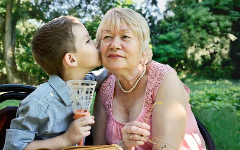 Не отдавайте своего ребенка на воспитание бабушкам и дедушкам! Вот к чему это приведет!