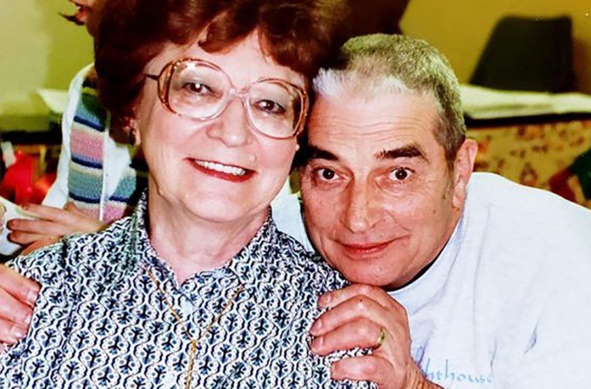 70-летний пример вечной любви: Остины исполнили супружескую клятву в прямом смысле